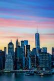 El horizonte céntrico de desarrollo de Manhattan Imagen de archivo libre de regalías