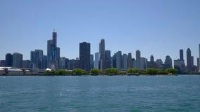 El horizonte de la opinión de Chicago del lago Michigan metrajes