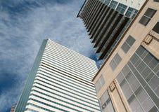 El horizonte emergente de Denver, Colorado Fotos de archivo libres de regalías