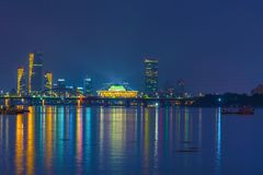 El horizonte a lo largo del río de Hanang en la noche en Seul, Corea del Sur Imagen de archivo