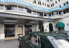 El hotel de la península con Rolls Royce en Hong Kong Foto de archivo