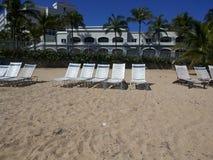 El hotel de la playa imagen de archivo libre de regalías