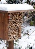 El hotel del insecto hecho del bambú de madera del nad se pega Imagen de archivo