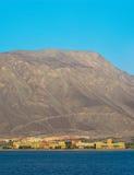 El hotel está en la costa de Mar Rojo en la madrugada, Imagen de archivo libre de regalías