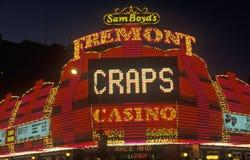 El hotel y el casino de Fremont en la noche, Las Vegas céntrico, nanovoltio fotografía de archivo
