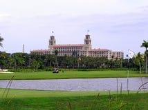 El hotel y el centro turístico, Palm Beach, la Florida de los trituradores Foto de archivo libre de regalías