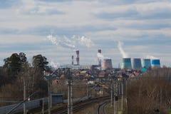 El humo de la chimenea Imágenes de archivo libres de regalías