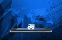 El icono libre del camión de reparto en la pantalla elegante moderna del teléfono encima traza a fotografía de archivo