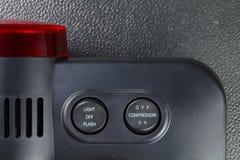 El indicador del compresor de aire representa el concepto del fondo de la herramienta del indicador Fotos de archivo