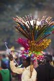El indio juega al vendedor - festival del elefante, Chitwan 2013, Nepal Fotos de archivo