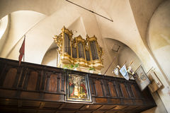El interior adornado de la iglesia de St Giles en Kraków Polonia Imágenes de archivo libres de regalías