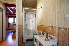El interior cómodo de la casa del campo adentro alsacien estilo Fotos de archivo libres de regalías
