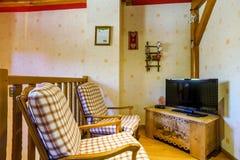 El interior cómodo de la casa del campo adentro alsacien estilo Foto de archivo libre de regalías
