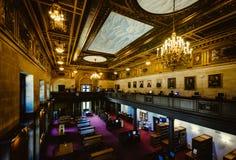 El interior de la biblioteca estatal de Connecticut, en Hartford, conec foto de archivo