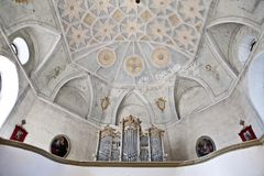 El interior de la iglesia del romanesque Fotos de archivo libres de regalías