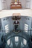 El interior de la iglesia gótica Fotografía de archivo libre de regalías