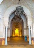 El interior de la mezquita magnífica fotografía de archivo