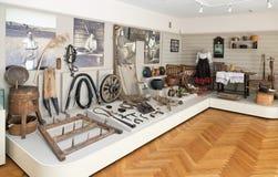 El interior de uno de los pasillos del museo de la historia local Fotografía de archivo libre de regalías