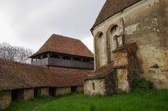 El interior de Viscri fortificó el castillo de la iglesia, Transilvania, Romani imágenes de archivo libres de regalías