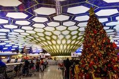 El interior del aeropuerto de Abu Dhabi Imágenes de archivo libres de regalías