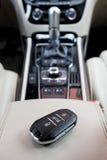 El interior del coche en colores brillantes Foto de archivo
