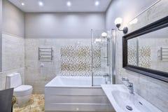 El interior del cuarto de baño Imagen de archivo libre de regalías