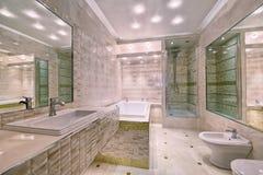El interior del cuarto de baño Fotos de archivo