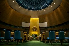 El interior del cuarto de la Asamblea General de Naciones Unidas Fotos de archivo libres de regalías