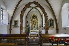 El interior del Saint Nicolas de Eglise Fotos de archivo