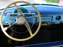 El interior retro del coche Volga del vintage de URSS fabricó en 1956 fotografía de archivo libre de regalías