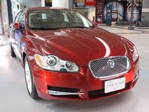 El International del jaguar presenta su nuevo jaguar XF Imagen de archivo