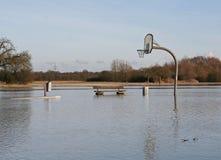 El inundar en basketballfield Fotos de archivo libres de regalías
