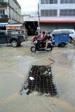 El inundar en la ciudad de Sriracha después de rainning Imagen de archivo