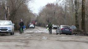 El inundar en Rusia el r?o desbord? en la primavera metrajes