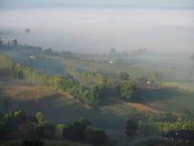 El invierno deja la niebla fotografía de archivo