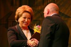 El invitado de honor Valentina Matvienko, uno de los políticos de sexo femenino contemporáneos más famosos Fotografía de archivo