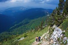 El ir de excursión de la montaña Imagen de archivo