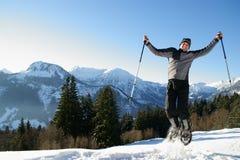 El ir de excursión del zapato de la nieve fotografía de archivo libre de regalías