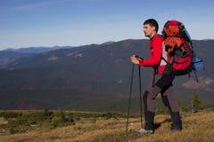 El ir de excursión en las montañas Imagen de archivo libre de regalías