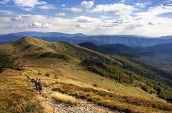 El ir de excursión en montañas Foto de archivo