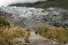 El ir de excursión en valle del glaciar Fotografía de archivo libre de regalías