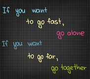 El ir rápidamente y el ir lejos Imagen de archivo