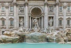 El italiano de la fuente del Trevi: Fontana di Trevi imagen de archivo