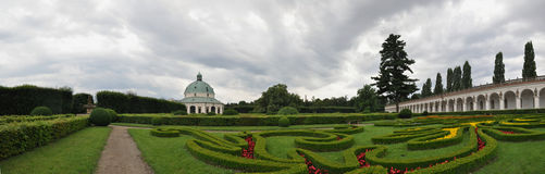 El jardín de flor en Kromeriz, República Checa fotos de archivo