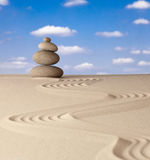 El jardín de la meditación del zen empiedra el balance Imagen de archivo
