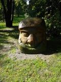 El jefe del extracto, carácter del cuento de hadas se corta de una piedra, un punto de referencia en el parque foto de archivo
