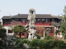 El jefe impar del jardín de retraso de Suzhou fotografía de archivo libre de regalías