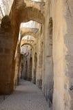 El Jem罗马斗兽场内部拱廊,罗马帝国建筑学地标 免版税库存照片