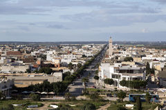 El Jem从Thysdrus罗马圆形剧场,突尼斯的马赫迪耶省的一个镇的城市视图 库存图片
