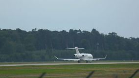 El jet privado acelera almacen de video